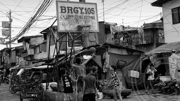 Manila: Philippines, No end to misery at Manila's Happyland slums